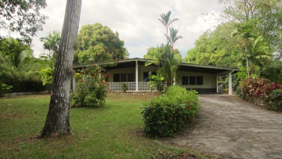Fixer Up 4 Bedroom 4 Bathroom Home For Sale in David, Chiriqui, Panama Real Estate
