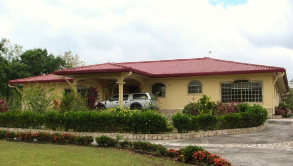 Spectacular Fully Furnished Country Home in Potrerillos Arriba, Chiriquí, Panama Real Estate