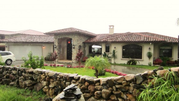 Gorgeous Custom Home in Los Molinos, Boquete, Chiriqui, Panama