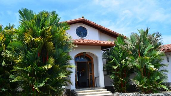 Extraordinary La Barqueta Beach House